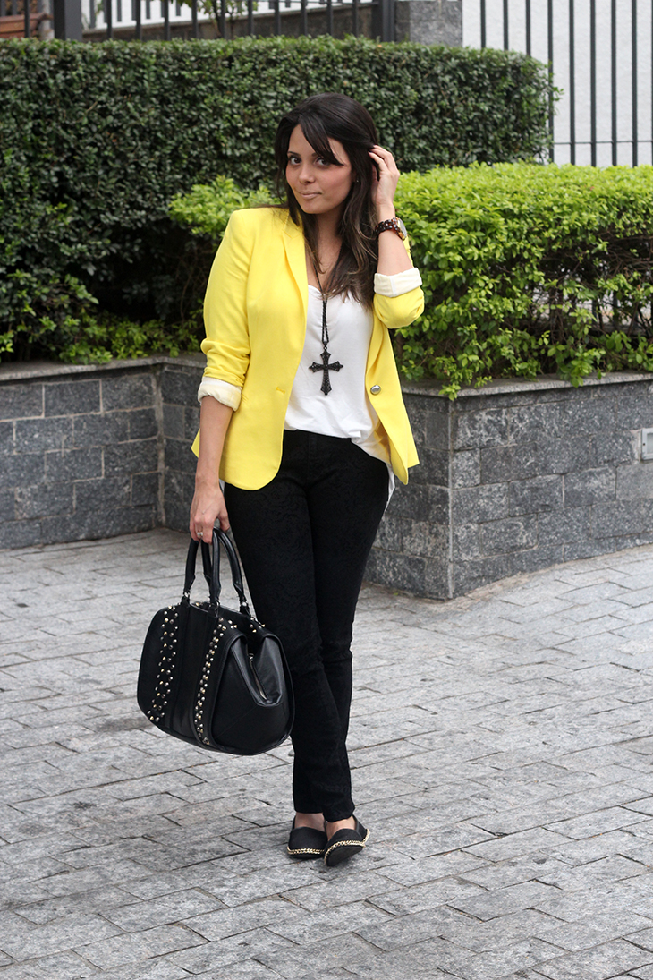 look blazer amarelo cala preta claudinha stoco 3 Look: Blazer Amarelo e Cala!